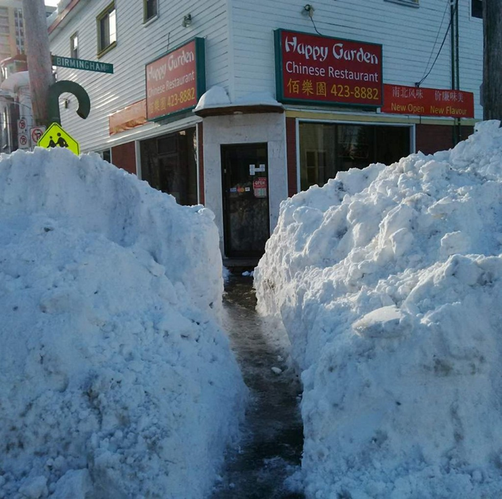 Sidewalks in Halifax are getting quite narrow after the most recent snowstorm. (Source: Twitter/@HadynWatters)